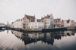 Las regiones más bellas de Bélgicaconforman uno de los países más bellos de Europa;consta de tres regiones muy autónomas, con Flandes en el norte muy